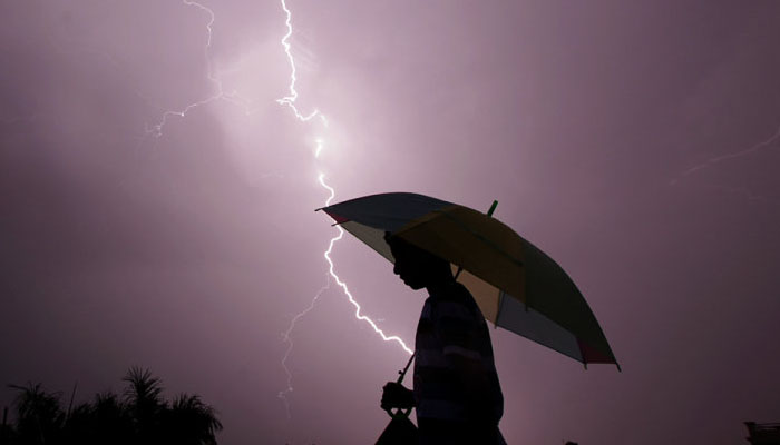 Man died Thunder Lightning kayamkulam