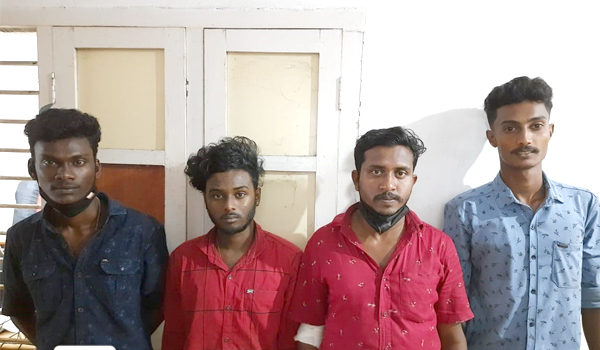 Four arrested for assaulting hospital staff